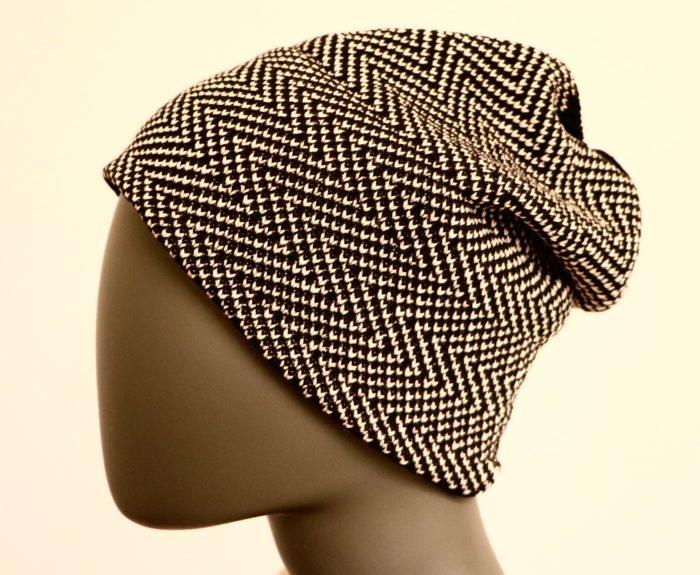Damenmütze auf der Strickmaschine Brother KH940