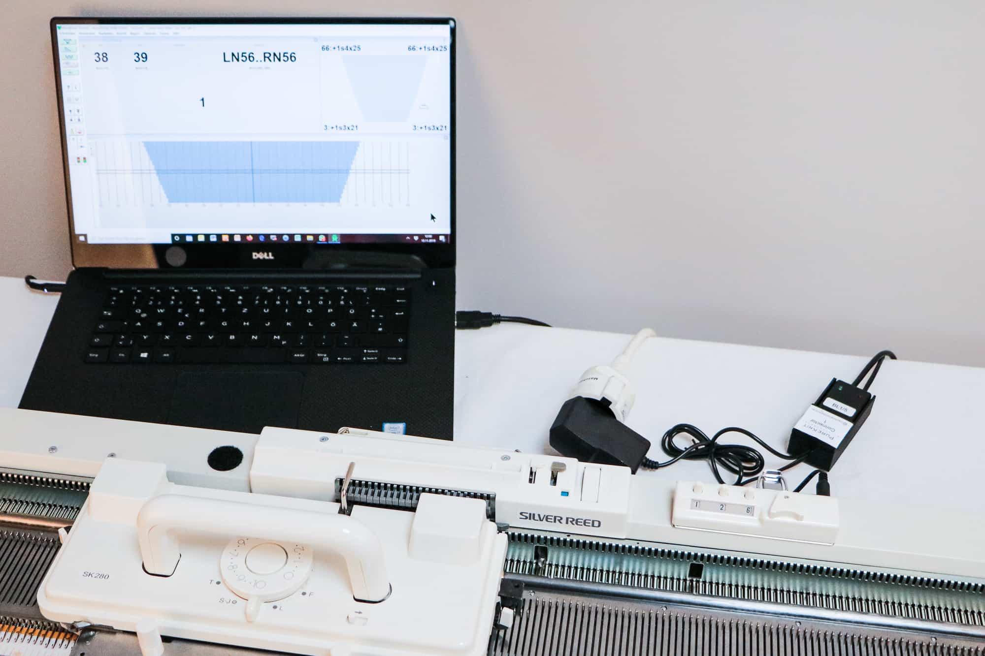 PureKnit Connector 1 am Laptop